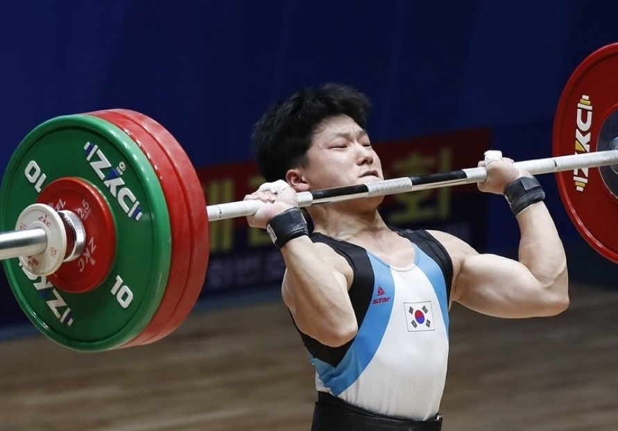 S. Korean weightlifter Shin Rok wins three medals at Asian youth competition in Pyongyang