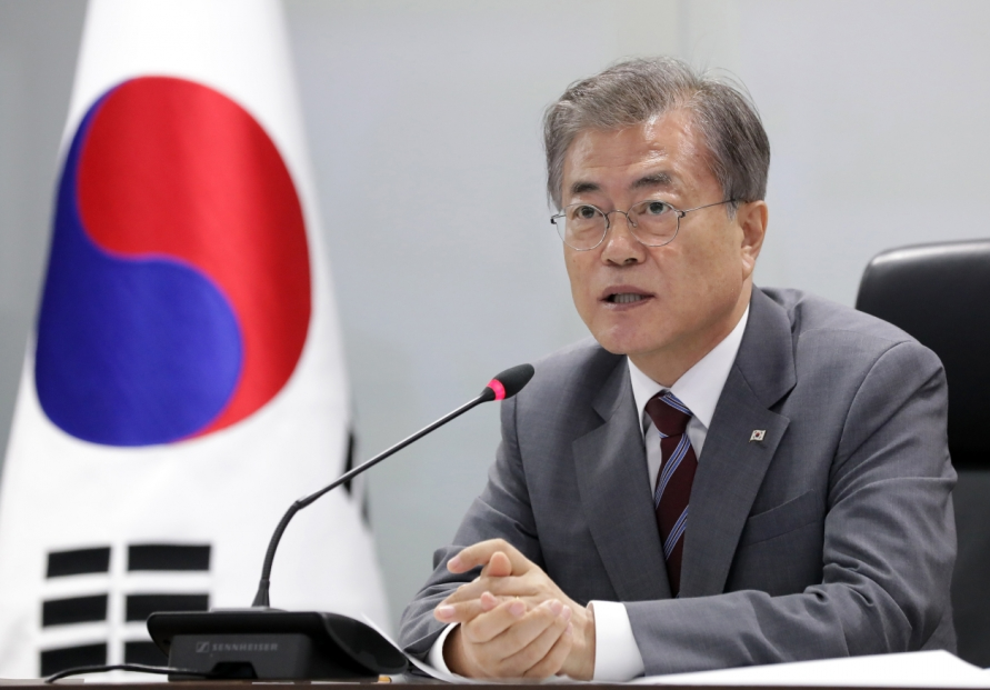 Halfway into Moon's presidency, Cheong Wa Dae vows patient peace drive