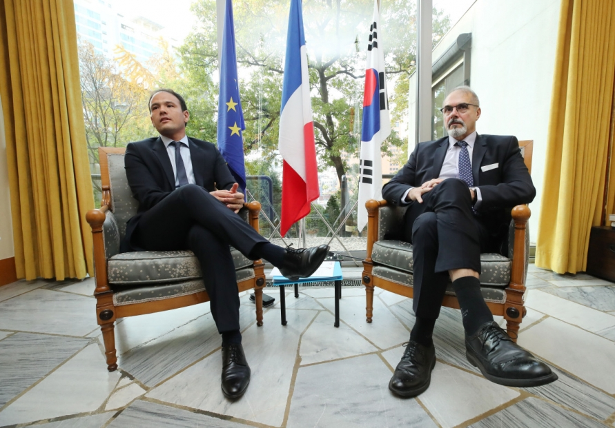 [Diplomatic circuit] Early adopters, use of English contributed to birth of South Korean IT giants: French digital minister