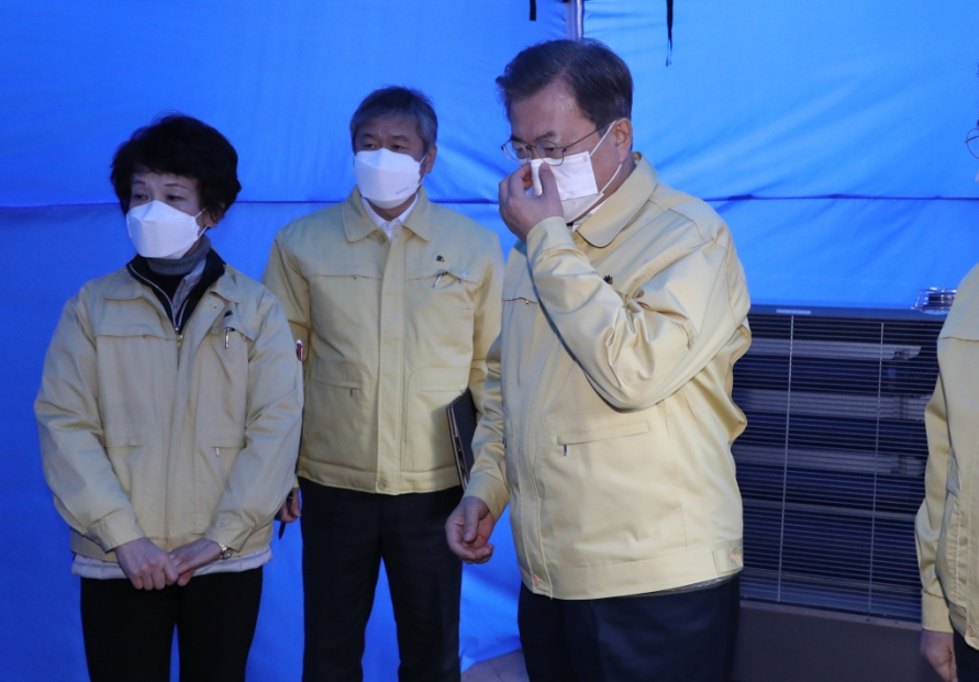 [Newsmaker] Government tries damage control following face mask shortage
