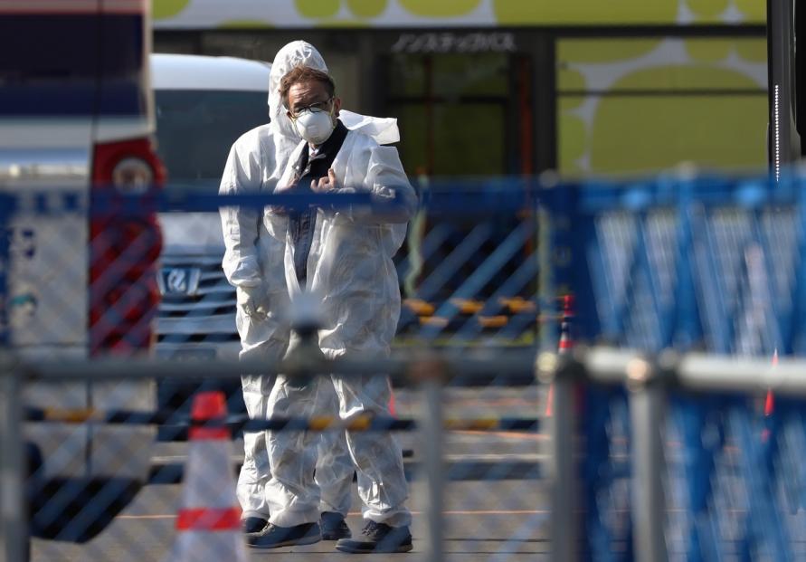 Two Australian evacuees from Japan ship have coronavirus