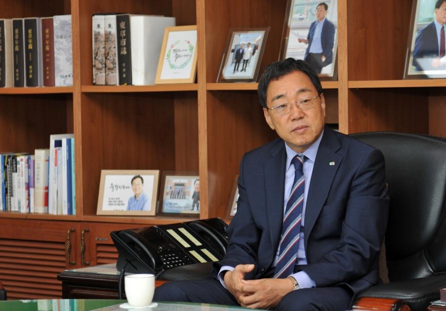 [Herald Interview] Sokcho mayor stresses new development paradigm for future