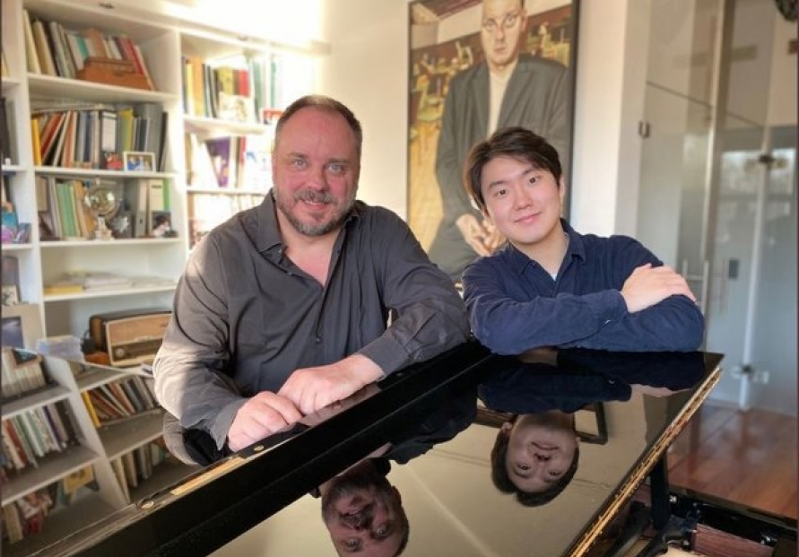 Celebrating World Piano Day, Cho Sung-jin goes online