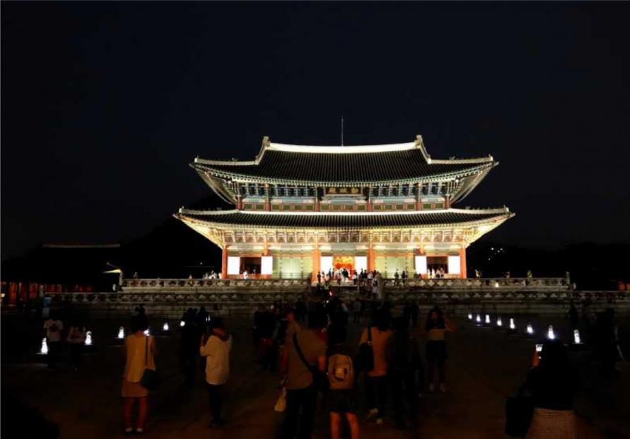 Night tours of royal palaces to reopen next week