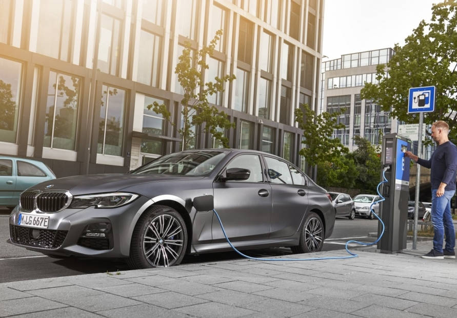 BMW launches 330e plug-in hybrid in Korea
