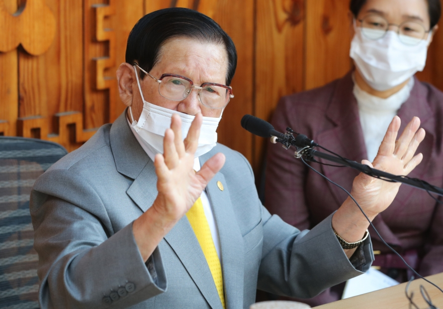 [Newsmaker] Arrest warrant hearing starts for Shincheonji leader