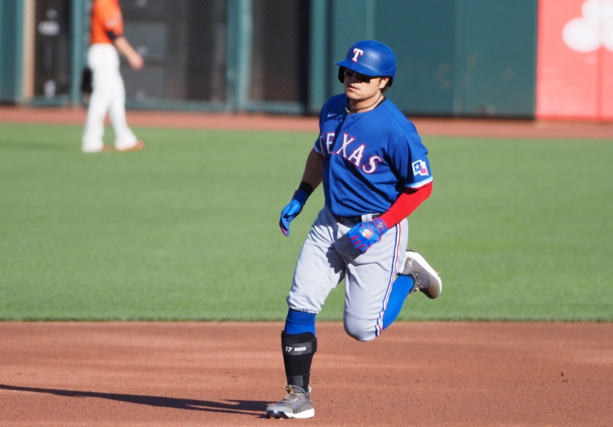 Choo Shin-soo homers to help Rangers beat San Francisco