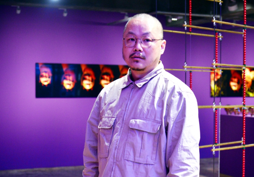 [Herald Interview] Yangachi's odd but beautiful works peek into hyperconnected world