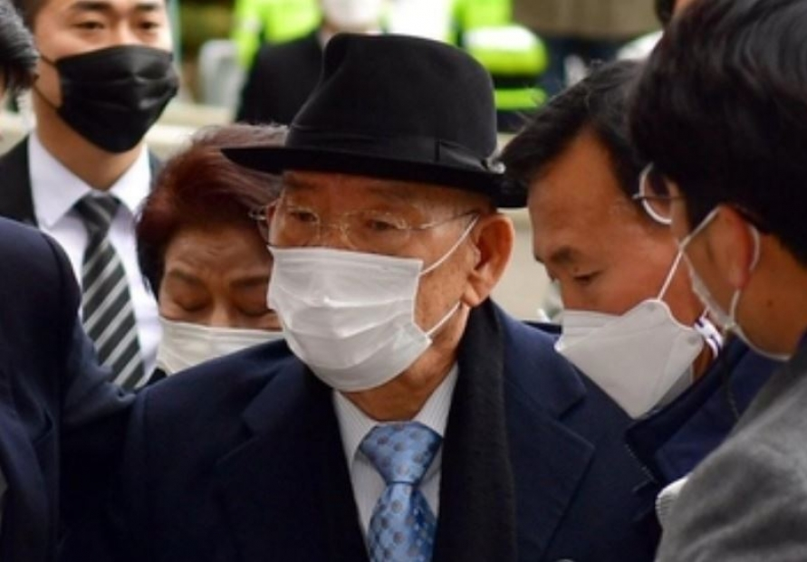 Ex-president Chun found guilty of defaming 1980 massacre witness