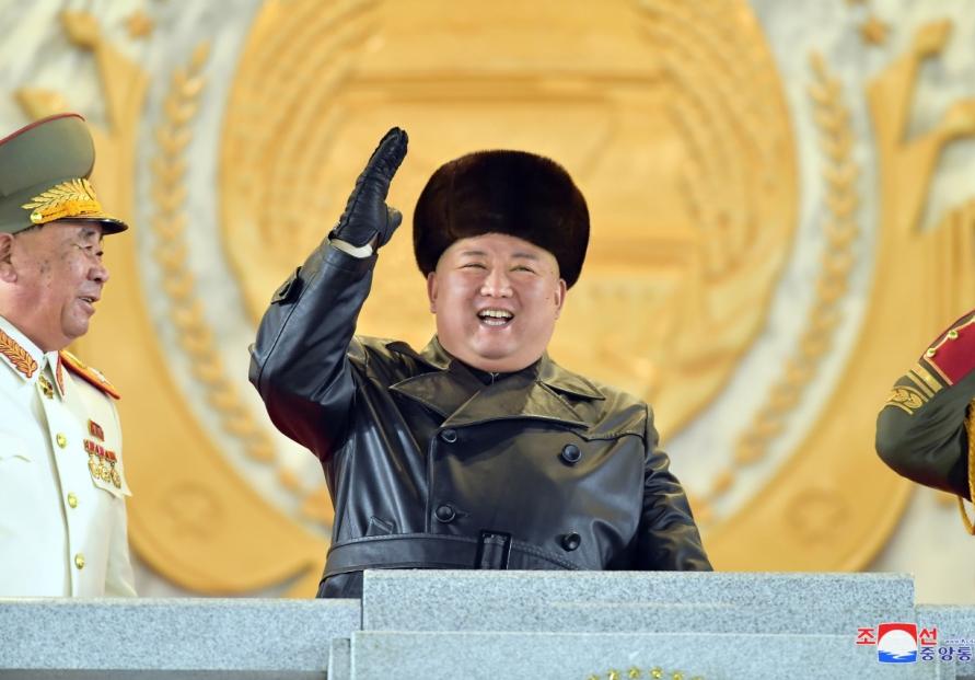 [Newsmaker] N. Korea holds military parade, showcases new SLBM