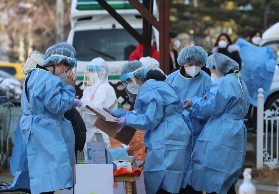 Korea's COVID-19 numbers fall, but risks still loom