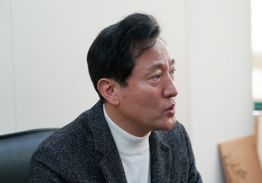[Herald Interview] Put policies for foreigners on back burner: former Seoul Mayor