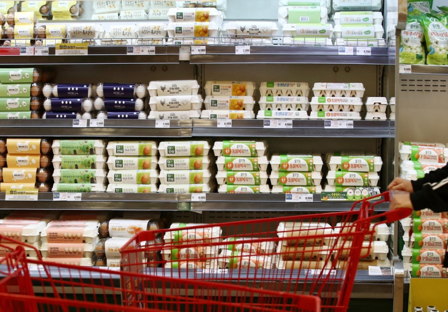 Consumer price growth at 1-year high in Feb.