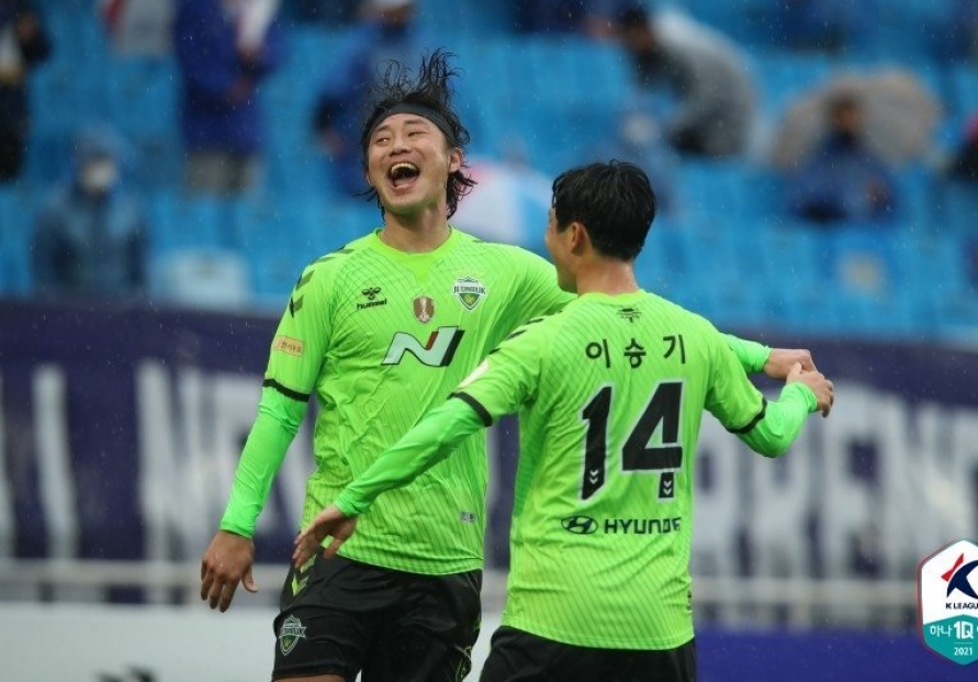 Jeonbuk remain undefeated in K League after winning rival match