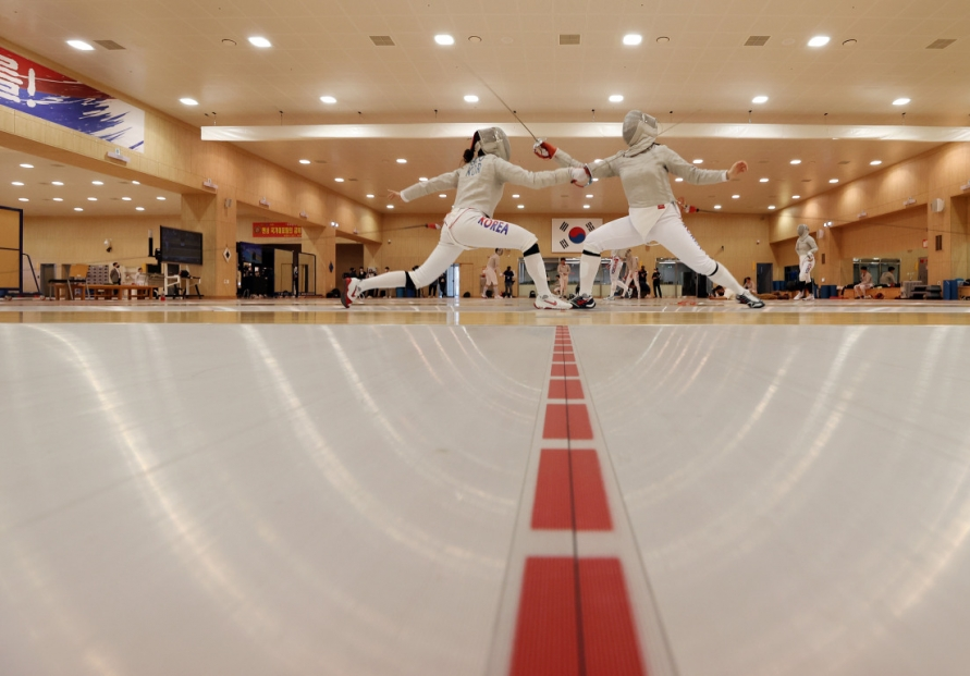 Olympic veteran believes fencing team can live up to hype in Tokyo