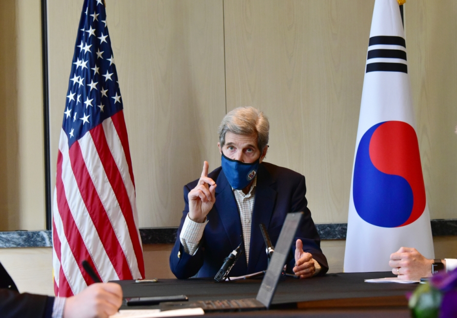 Kerry backs Japan's wastewater release, rules out US intervention