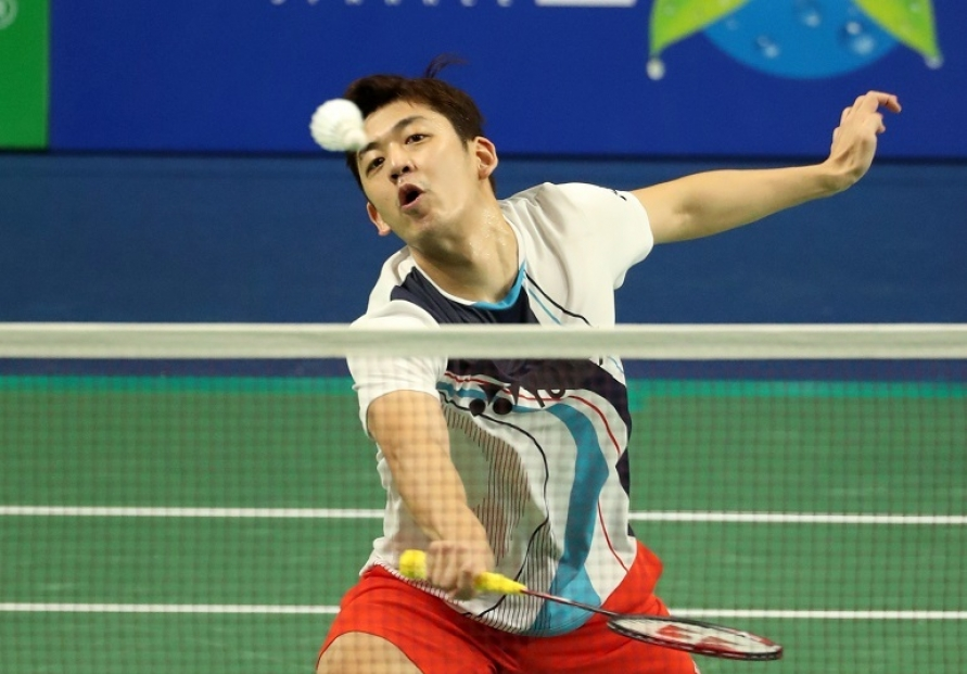 Badminton star Lee Yong-dae diagnosed with COVID-19