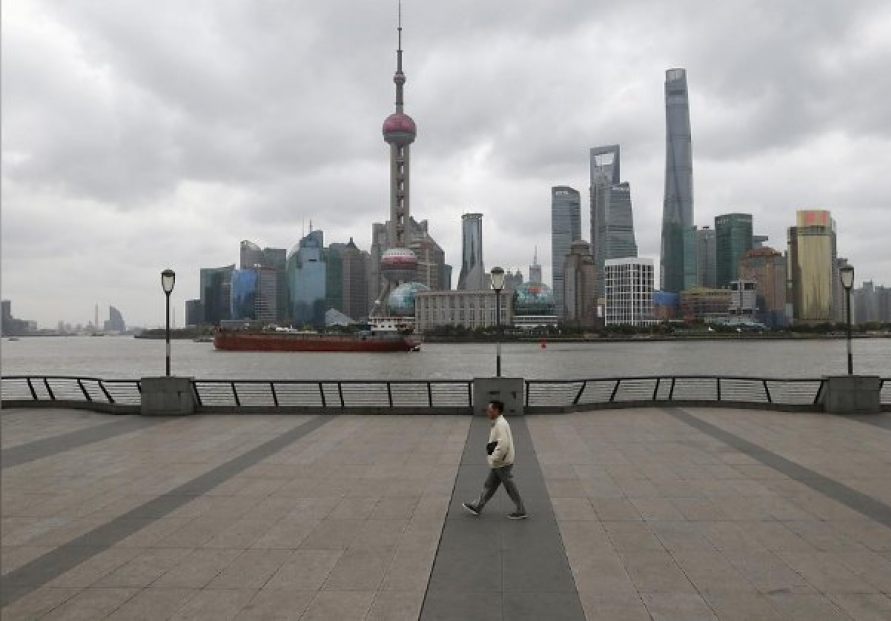 Some Shanghai malls, residential complexes demand to see COVID vaccination proof