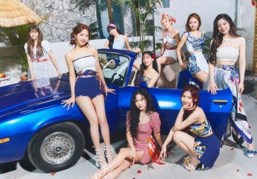 TWICE's latest EP debuts at No. 6 on Billboard 200