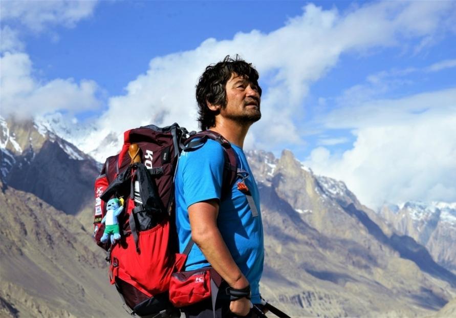 [Newsmaker] 'Fingerless' Kim Hong-bin, 1st disabled person to climb world's 14 highest peaks