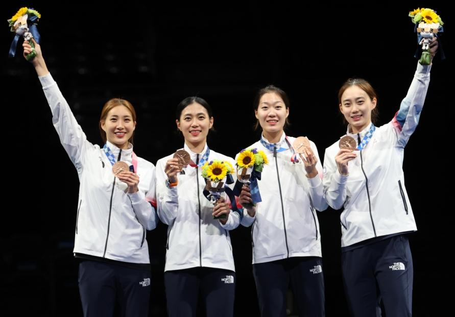 [Tokyo Olympics] S. Korea wins bronze in women's sabre team fencing