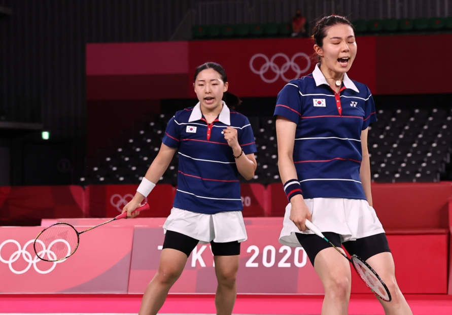 [Tokyo Olympics] Badminton doubles teams to duel for bronze, gymnast looking to vault for gold