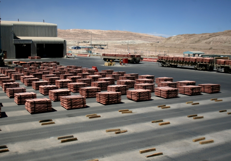 Workers at world's biggest copper mine in Chile agree to strike: union