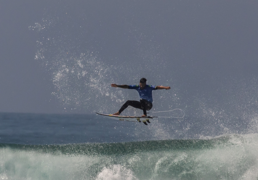 [Photo News] World surfing champions
