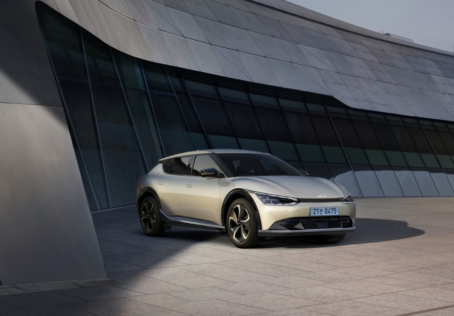 Hyundai, Kia's eco-friendly vehicle sales in US more than double in Aug.