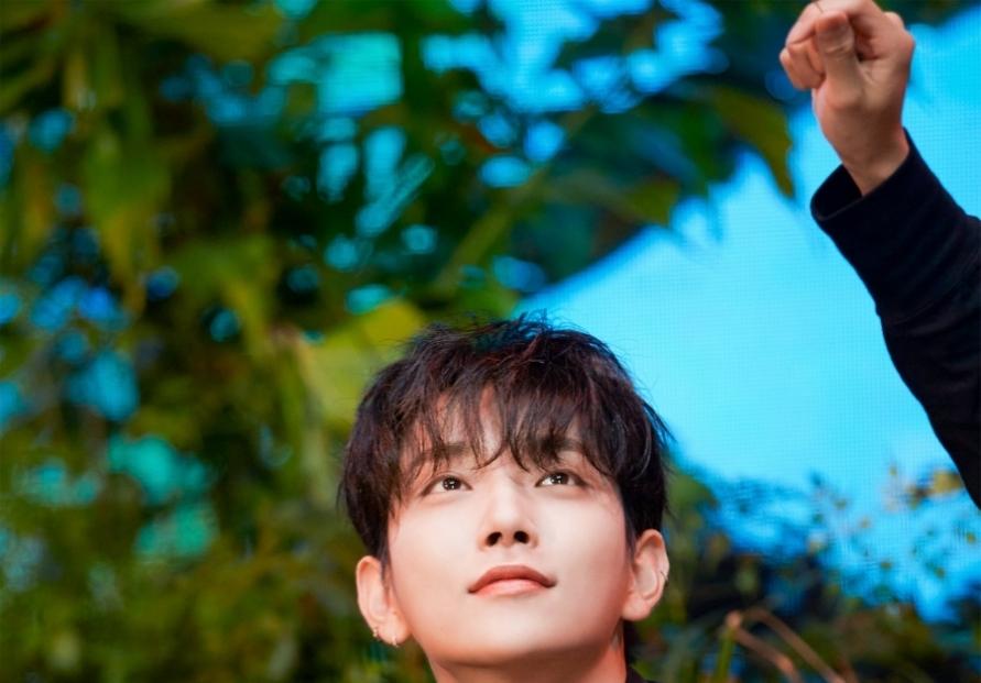 Seventeen makes 1st English-language song