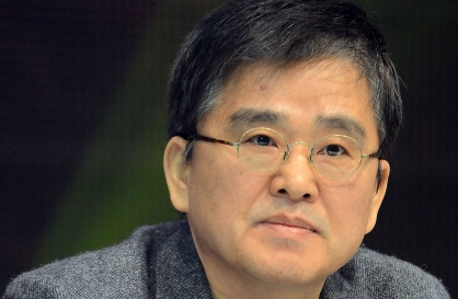 Cube Entertainment founder resigns after ownership dispute