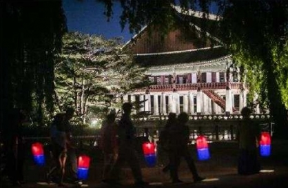 Gyeongbokgung tours bring flavor of Joseon