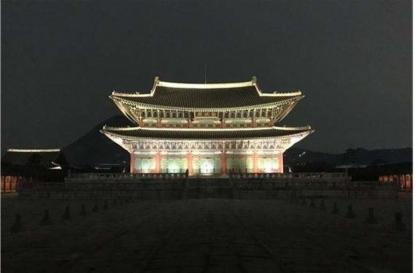 Gyeongbokgung to open up at night