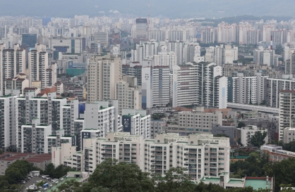 Home prices in Seoul double under Moon government: civic group