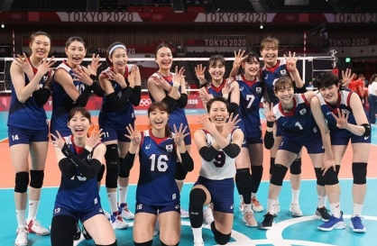 [Tokyo Olympics] Volleyball players thrive under hard-working, adaptable coach