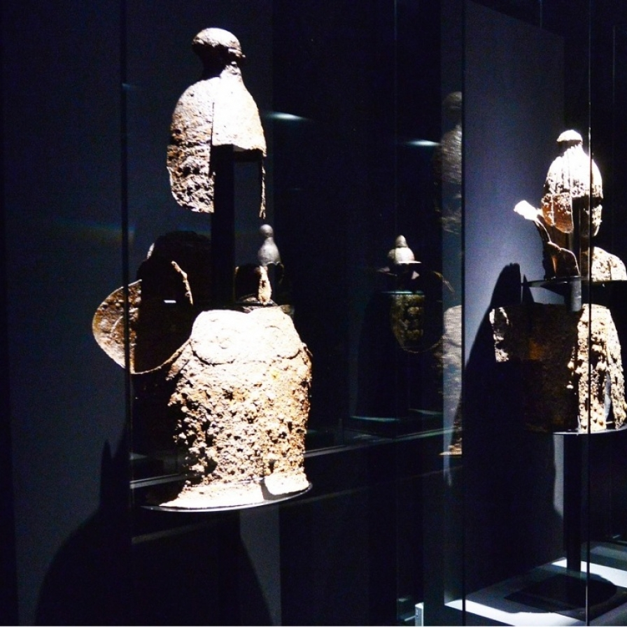 Exhibition highlights Gaya relics