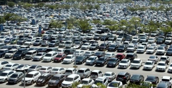 Hyundai or Benz: Why is Korea's car market so polarised?