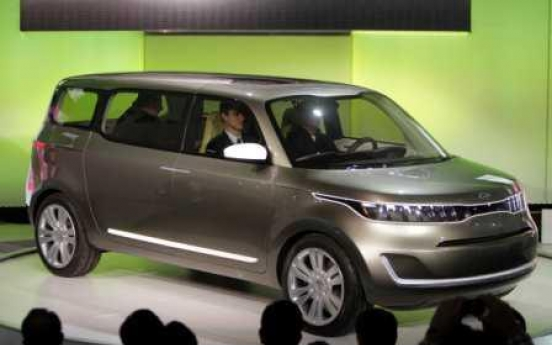 Domestic carmakers in Detroit motor show