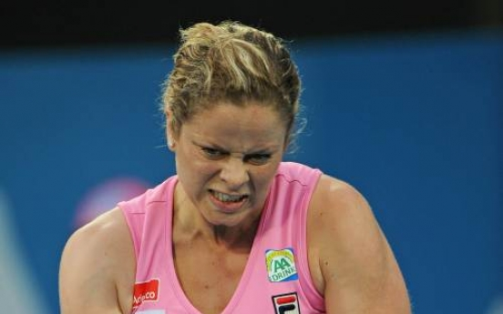 Clijsters to play Li in Sydney final