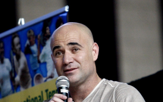 Agassi elected to Hall of Fame