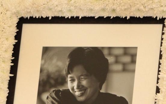 Female novelist Park Wan-suh dies at 80