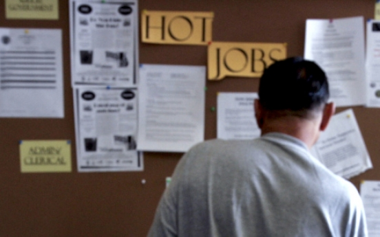 World jobless rate stays at record high: ILO