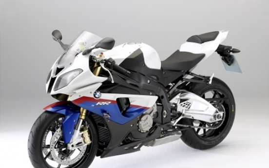 BMW dominates large bike market