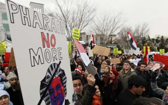 Tough balancing act for Obama on Egypt