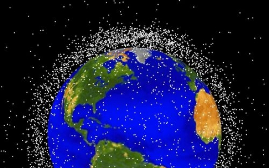 Fishing net firm to help trawl for space debris