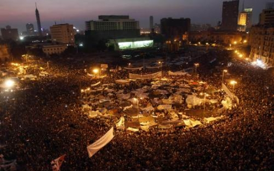 U.S. presses but Egypt rejects 'hasty' reforms