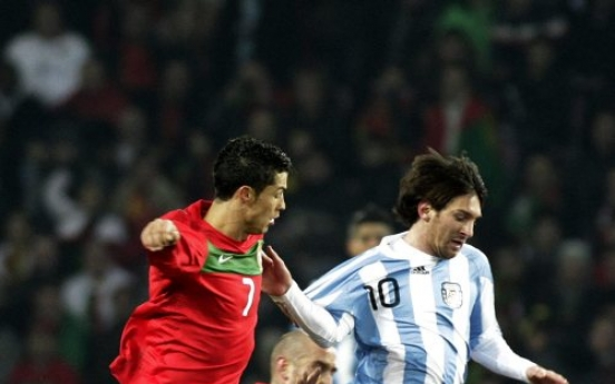 Argentina trips Portugal 2-1