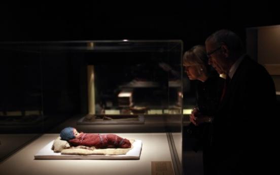 China, U.S. museum resolve dispute over exhibit