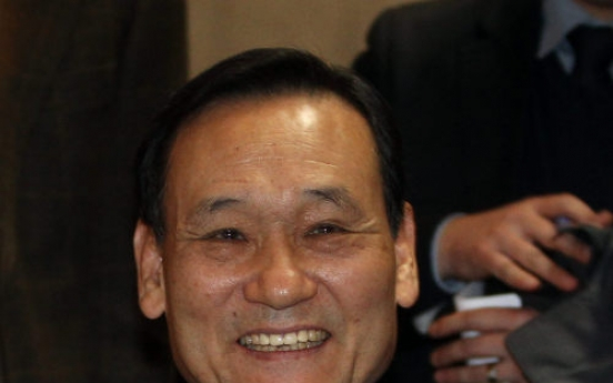Lee tapped to serve 2nd term as Woori chief