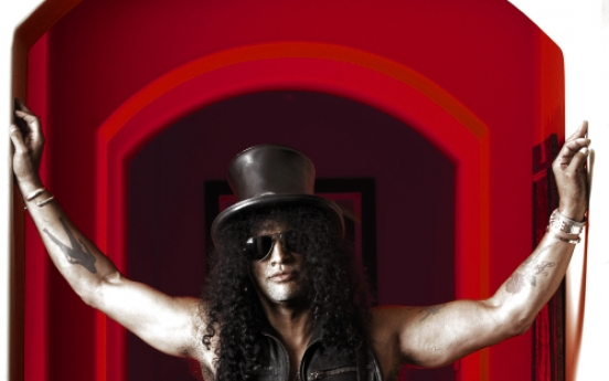 Guitar legend Slash prepares new solo album